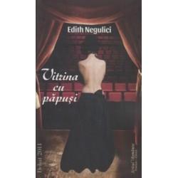 Vitrina cu papusi - Edith Negulici